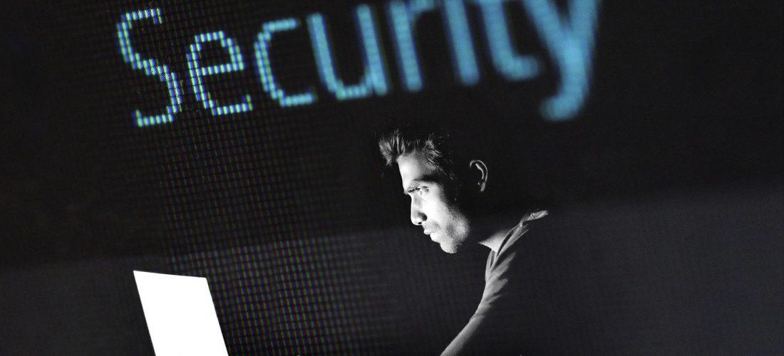 Mauszeiger klickt auf den Security-Button