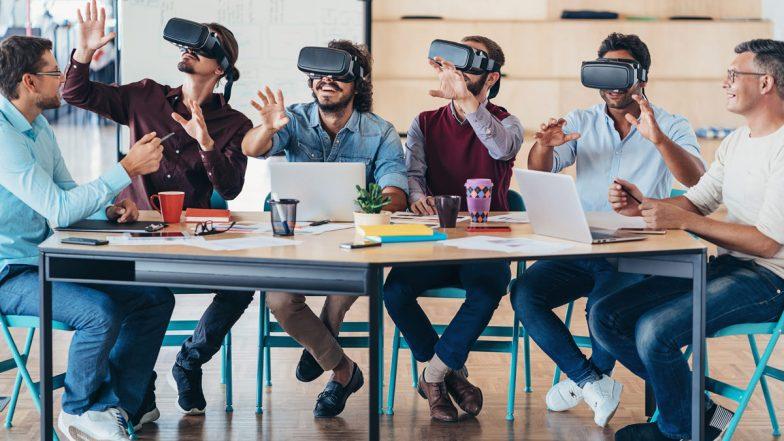 Männergruppe mit VR-Brillen